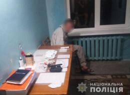 Житель Чернівців обікрав трьох пацієнтів у лікарні
