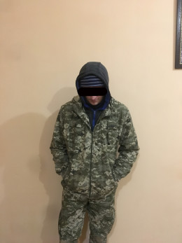 На Буковині прикордонники затримали чоловіка, який намагався підзаробити у незаконний спосіб (фото)