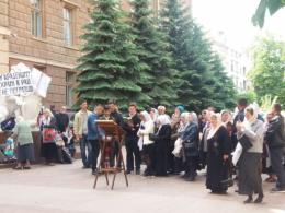 Віряни УПЦ оголосили про цілодобове молитовне стояння під ОДА
