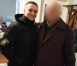 У Чернівцях патрульні допомогли двом літнім чоловікам, які не могли дістатися додому (фото)