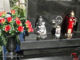 Мер Чернівців назвав «дурістю» скандальні «правки Лозового» щодо порядку поховання померлих