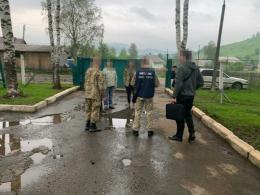 На Буковині затримали трьох прикордонників на хабарі 45 тисяч гривень (фото)