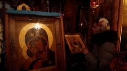 До Чернівців привезли чудодійну ікону Пресвятої Богородиці