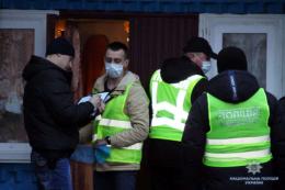 У поліції розповіли деталі трагічного вбивства чоловіком своєї дружини на Буковині
