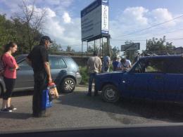 На Буковині ВАЗ на перехресті врізався у Volkswagen (фото)