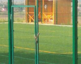У мережі чернівчани обурилися через зачинений майданчик у Садгорі (фото)