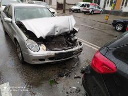 У Чернівцях на Героїв Майдану зіткнулись чотири авто (фото)