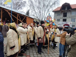 """На Буковині відбувся фестиваль """"Найбільша коляда у найменшому місті"""""""