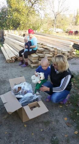 У Чернівцях родина, у якої згорів будинок, просить про допомогу