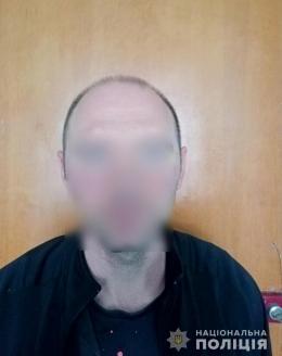 """Поліцейські на Буковині викрили """"готельного"""" крадія"""