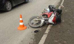 У Верхніх Петрівцях п'яний 22-річний мотоцикліст в'їхав у бордюр