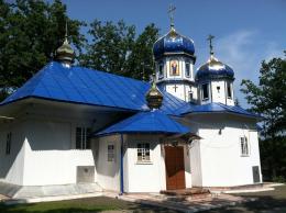 Церква в селі Карапчів Вижницького району