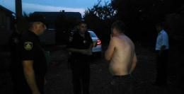 """На Буковині побилося п'яне подружжя: """"дебоширів"""" забрала поліція"""