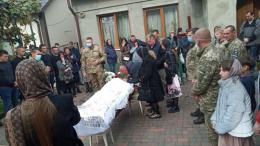 У Чернівцях попрощалися із солдатом, який помер на Житомирщині