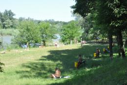 Експерти поки що не рекомендують купатися у Чернівцях в річці Прут