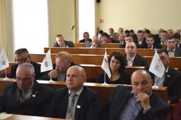 Чернівецька облрада вимагає від Парламенту захистити українську мову