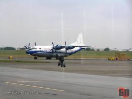 Через буревій у Чернівцях не зміг приземлитися літак із Києва
