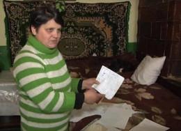 На Буковині жінка з дочкою вже більше року живуть у школі