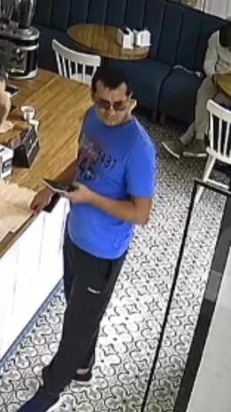 У мережі попереджають про зловмисника, який видурює гроші у працівників кафе (відео)