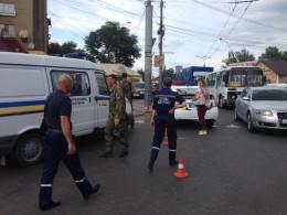 На зупинці у Чернівцях поліція шукала вибухівку в дорожній сумці
