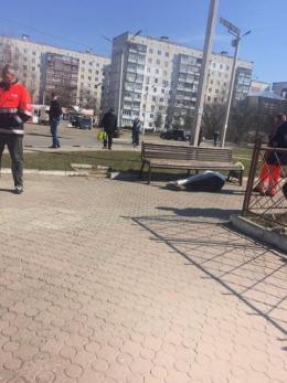 У Чернівцях посеред вулиці померла людина