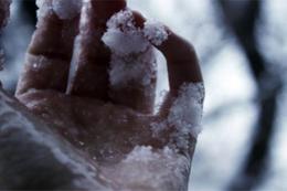На Буковині через переохолодження помер 45-річний чоловік