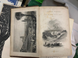 На Буковині чоловік намагався незаконно перевезти до Румунії 24 старовинні книги (фото)