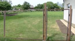 На Глибоччині селяни не можуть поділити дорогу до городів (відео)