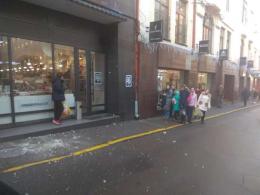 У центрі Чернівців біля дітей впав шматок карнизу з будинку