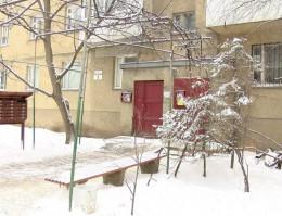 80-літня жінка судиться із родичами за квартиру
