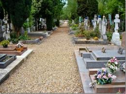 У Чернівцях на кладовищі померла пенсіонерка