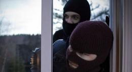 За скоєння грабежу у Чернівцях поліція затримала двох братів