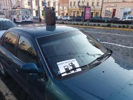 У Чернівцях через подорожчання пального водії пікетують міськраду