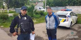 У Чернівцях правоохоронці оперативно затримали грабіжників (відео)
