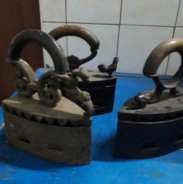 На Буковині митники вилучили колекцію старовинних прасок та гасових ламп (фото)