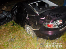 21-річна буковинка на автомобілі «Mazda 6» з'їхала в кювет та перекинулася (фото)