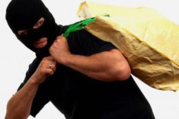 У Сокирянах невідомі викрали з магазину 90 тисяч гривень
