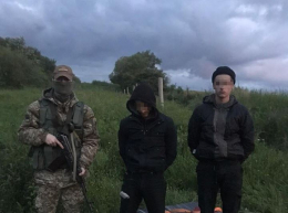 На Буковині прикордонники затримали двох контрабандистів