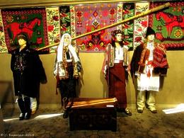 У Вернісажі в Чернівцях відкрилася виставка «Несемо в серці Україну» (фото)