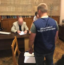 Ще одного адвоката на Буковині зловили на хабарі