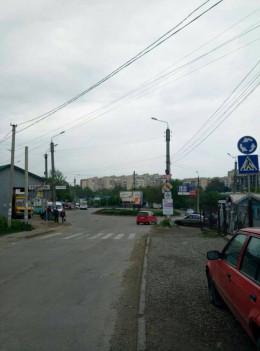 У Чернівцях на перехресті вулиць Героїв Майдану та Південно-Кільцевої встановили нові знаки