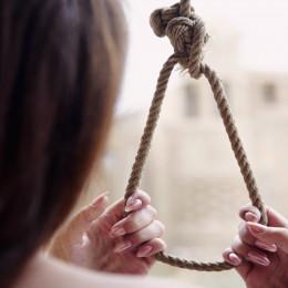 Стали відомі подробиці самогубства 15-річної дівчинки на Буковині