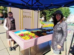 Святковий торт на День міста в Чернівцях мав 130 кг, готували кілька днів п'ятеро кондитерів (фото)