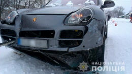 На Буковині «Porsche Cayenne» врізався в «Таврію»