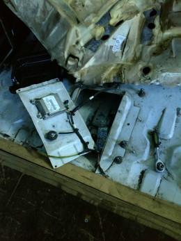 На Буковині митники затримали вщент нашпиговану сигаретами автівку