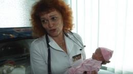 Жінка, яка їхала з Чернівців до Росії, в дорозі народила двійню і покинула малят (відео)