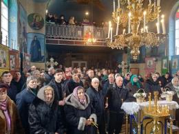 На Буковині у храмі, що перейшов до УПЦ, відслужили першу літургію