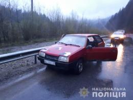 На Буковині п'яний молодик вкрав авто і переховувався в лісі (фото)