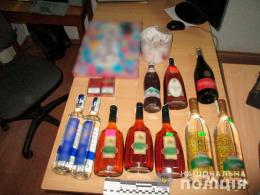 На Буковині неповнолітні викрали алкоголь та сигарети (фото)