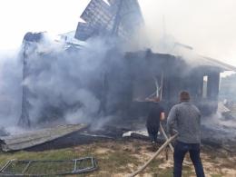 На Буковині вщент згорів житловий будинок (фото)